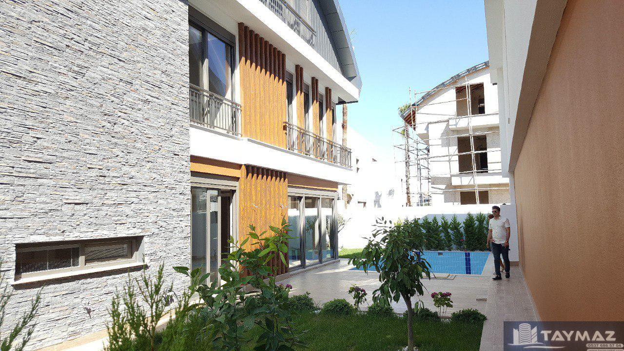 خرید خانه در ترکیه / ویلای 4 طبقه